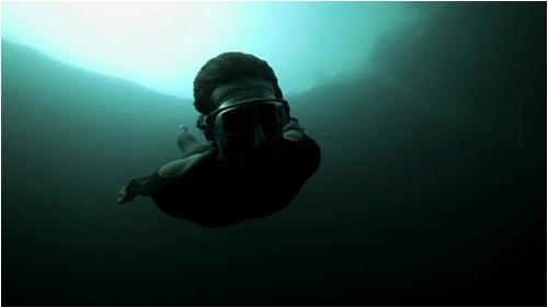 base_jump_underwater05