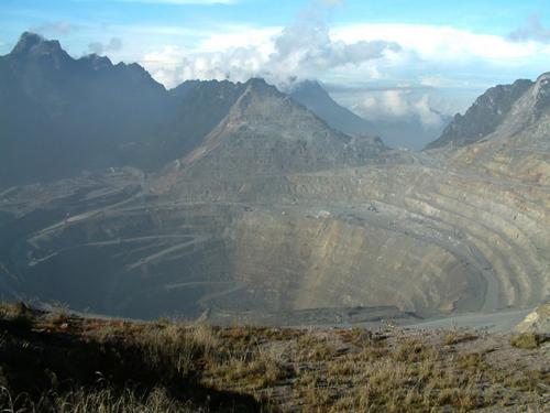 indonesia grasberg mine